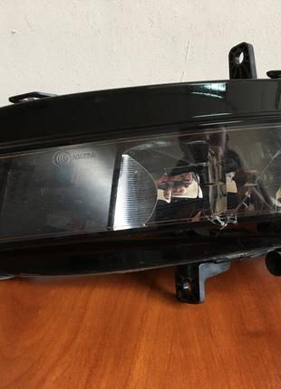 Фара противотуманная левая в сборе VAG для VW Golf