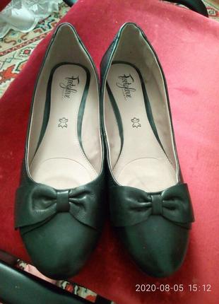 Туфли женские кожанные 42 размер