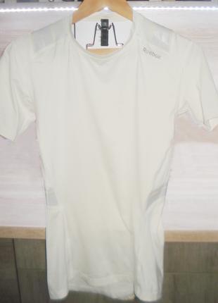 Reebok спортивная футболка. термобелье.