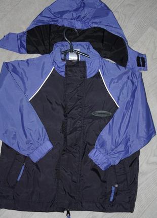 Курточка ветровка с капюшоном ф. alive р-104/110 ,cостояние новой