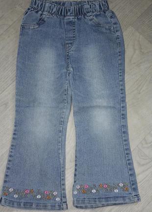 Модные джинсы-клеш,тенденция 2018г с вышивкой внизу на девочку...