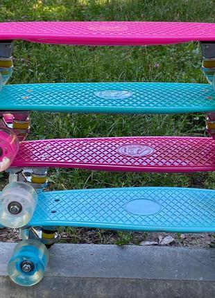 Детский скейт (пенни борд) Penny board светящиеся колеса, малинов
