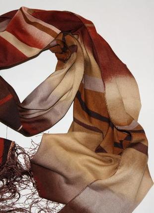 Очаровательный шарф в отличном состоянии