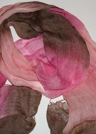 Яркий модный шарф-палантин в идеальном состоянии