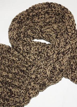 Шикарный вязанный шарф состояние нового