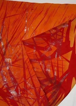 Яркий,модный шарф палантин(паэро) в отличном состоянии