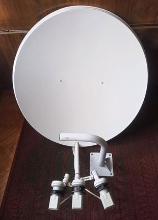 Тарелка спутниковая параболическая с тремя головками