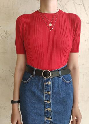 Трикотажная футболка красного цвета, базовая футболка