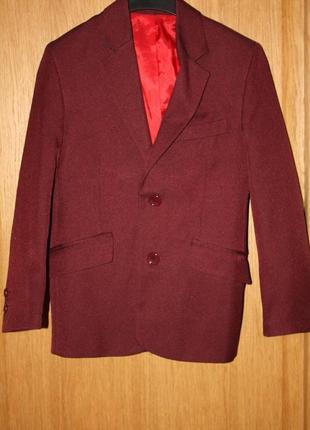 Школьный или повседневный пиджак для мальчика новый р-122