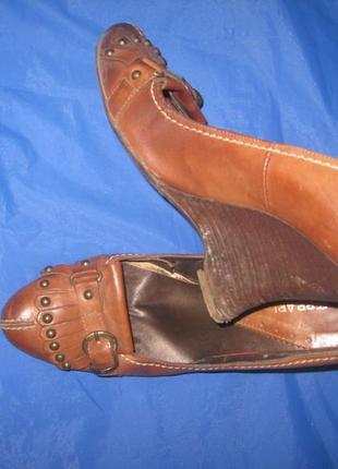 Модные стильные фирменные кожаные итальянские туфли р-39