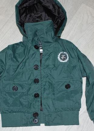 Модная демисезонная фирменная курточка на ребенка 6/7лет р-116