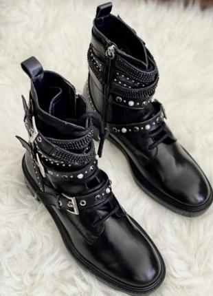 Кожаные демисезонные ботинки zara