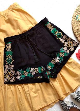 Красивейшие шорты h&m из натуральной ткани, с вышивкой