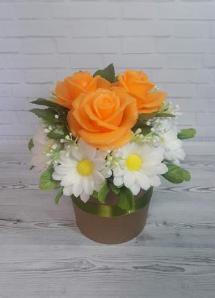 Букет цветов из мыла Персиковые розы в ромашках
