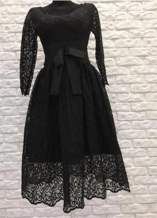 Брендовое вечернее кружевное платье