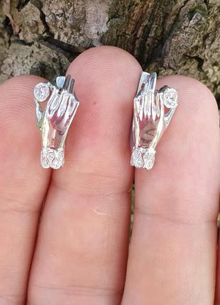 Серьги женские руки