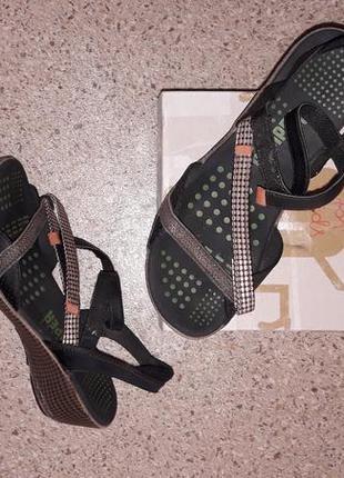 Комфортные босоножки на липучках!бренд сamper