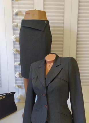 Костюм серый классический пиджак брюки юбка, s