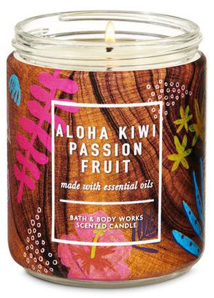 Ароматическая средняя свеча bath and body works aloha kiwi pas...