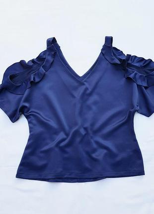 Блузка с открытыми плечами от atmosphere