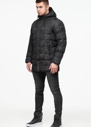 Зимняя удлиненная куртка с капюшоном