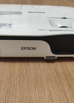Универсальный проектор с расширенным функционалом Epson EB-X12
