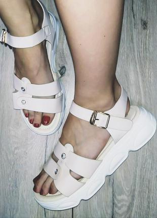 Легкие босоножки 🌿  платформа  сандали босоніжки
