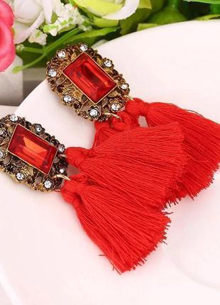 Вечерние серьги гвоздики кисточки красные сережки