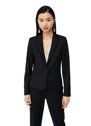 Mango стильный базовый пиджак черный однотонный на одной пугов...