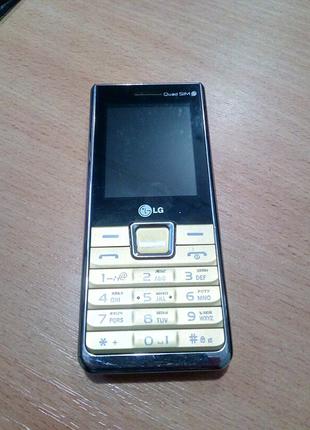 Мобильный телефон на 4 sim четыре  сим карты