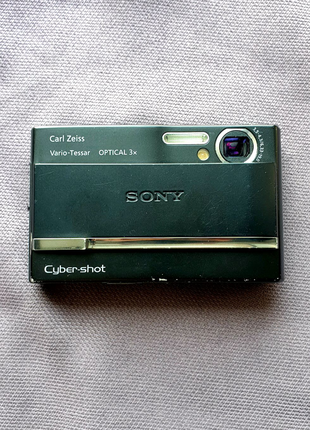 Цифровой фотоаппарат SONY