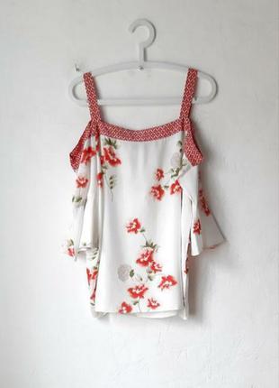 Красивая вискозная блуза
