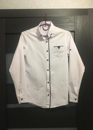 Белая рубашка для мальчика с рукавом школьная нарядная с синей...