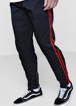Штаны спортивные черные брюки с лампасами Boohoo