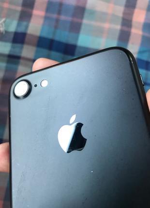 продам IPhone 7/32 r-sim