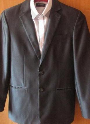 Школьная форма состояние новое -VELS р.164!Пиджак,брюки,рубашка!
