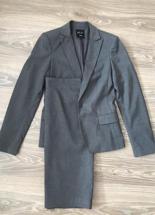 Классический серый костюм с юбкой incity размер 40 s пепельный...