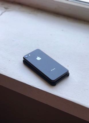 Продам iPhone 8 64гб
