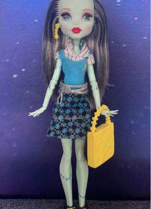Frankie Stein(Фрэнки Штейн); Monster High