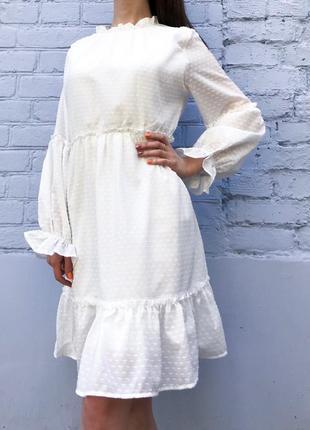 Платье женское с воланами (белое)
