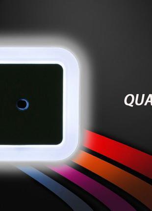Z35 pro Светодиодный LED ночник в розетку с датчиком света 0.5 Вт