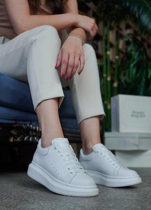 Идельные белые женские кроссовки alexander mcqueen/ александр ...