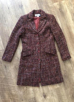 Пальто коричневое в клетку размер 38
