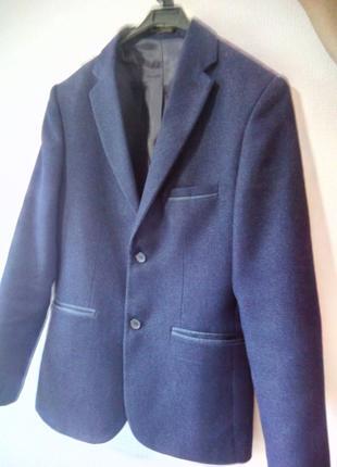 Пиджак на мальчика-подростка