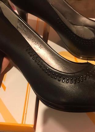Туфли женские новые!!