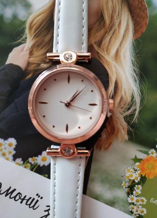 Наручные часы женские от Ив Роше