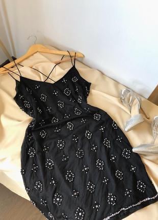 Шикарное платье с вышивкой бисером