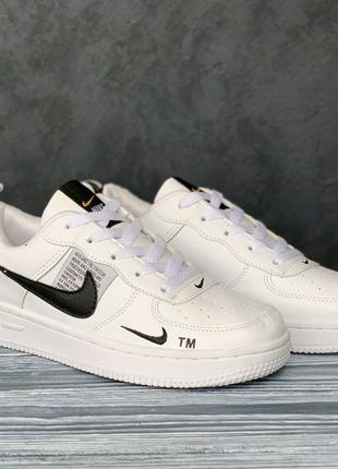 Nike Air Force белые с черным значком