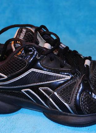Reebok кроссовки 37 размер