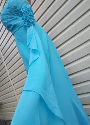 Голубое вечернее платье нарядное